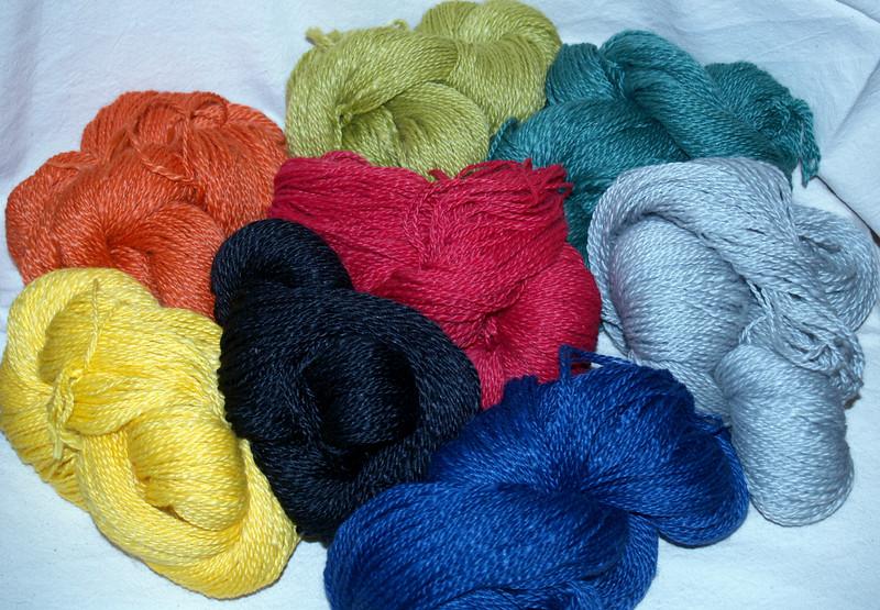 Strickwolle 50%  Merino/Texel, 50% Ramie, 2-fädig, gefärbt nach Ökotex100 oder ungefärbt