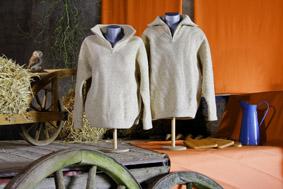 Pullover und Troyers, Wollwalk, Goldenes Flies, 100% Wolle vom Coburger Fuchsschaf